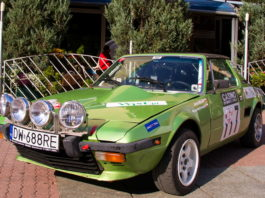 Samochody zabytkowe klubu Classic Cars na Piotrkowskiej